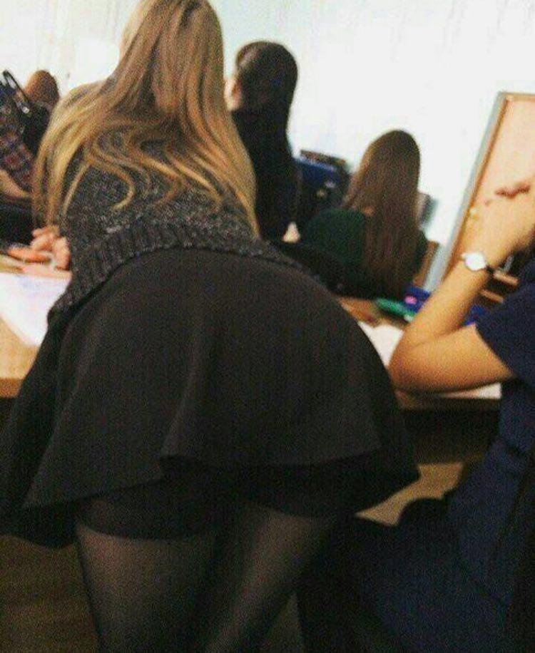 【盗撮天国】ロシアの学校の日常風景、ピッチリ美人率高過ぎ!!・23枚目