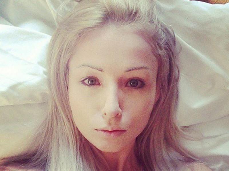 """【怖E】ウクライナのリアルバービーこと""""オデッサ・バービー""""、素顔は普通に可愛いよな(画像)・12枚目"""