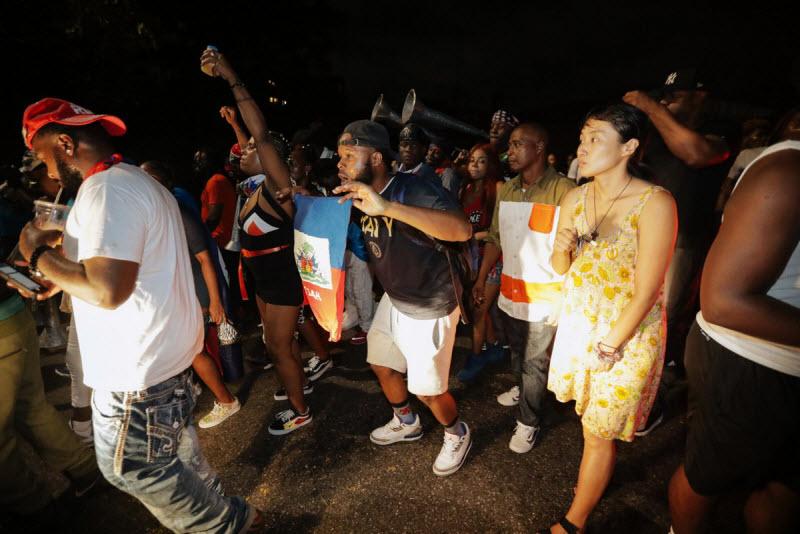 """【エロ祭り】ブルックリンで毎年開催されるカリブの祭り""""J'Ouvert Festival""""、これはカメラ必須だな!!・3枚目"""