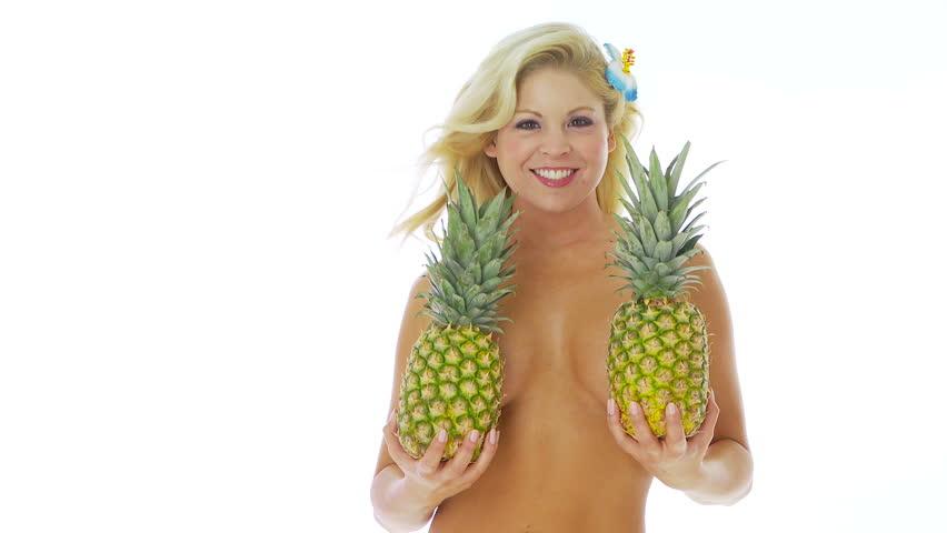 """【トレンド】今海外の若いインスタ女性に流行してる""""pineapple breast""""、さっぱり意味わからん・・・・・(画像)・19枚目"""