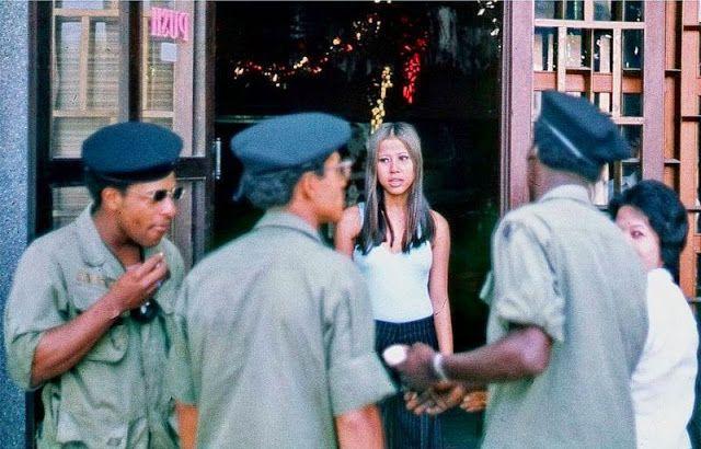 【高給取り】ベトナム戦争時の米軍向け売春婦達、美人ネキも結構居るよな・・・・・(画像)・12枚目