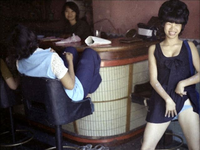 【高給取り】ベトナム戦争時の米軍向け売春婦達、美人ネキも結構居るよな・・・・・(画像)・27枚目