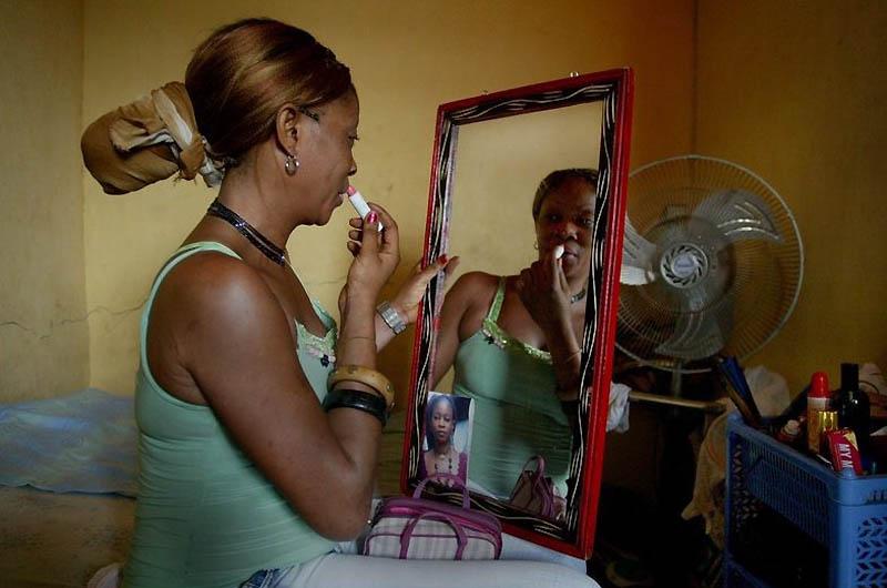 【危険地帯】ナイジェリア旧首都ラゴスのスラムにある売春宿、色々ヤバそうでチンコ勃たないだろ・・・・・(画像)・6枚目