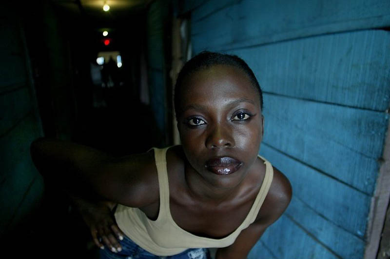 【危険地帯】ナイジェリア旧首都ラゴスのスラムにある売春宿、色々ヤバそうでチンコ勃たないだろ・・・・・(画像)・8枚目