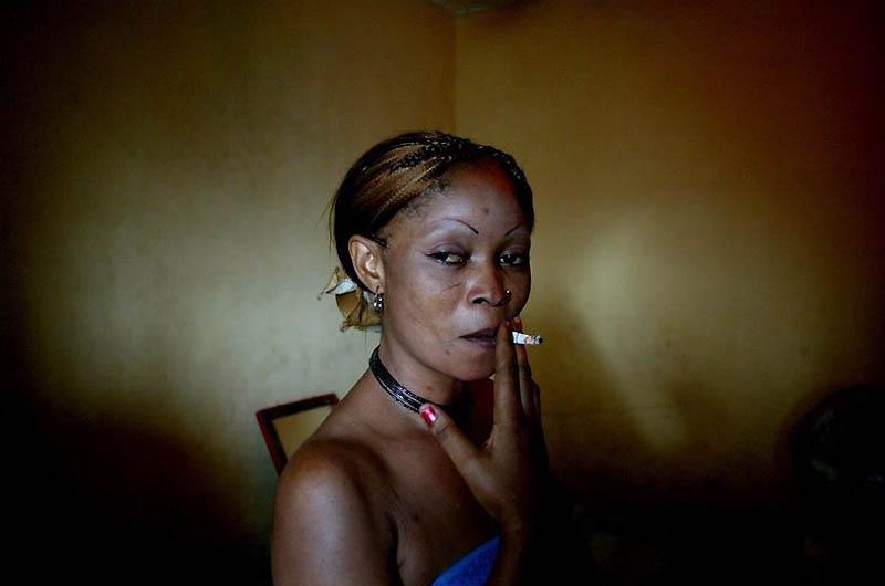 【危険地帯】ナイジェリア旧首都ラゴスのスラムにある売春宿、色々ヤバそうでチンコ勃たないだろ・・・・・(画像)・13枚目