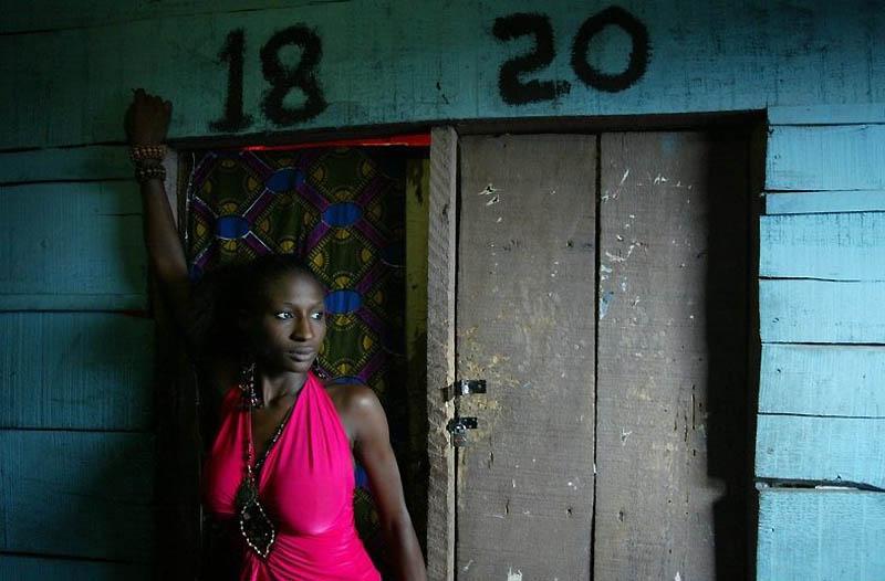 【危険地帯】ナイジェリア旧首都ラゴスのスラムにある売春宿、色々ヤバそうでチンコ勃たないだろ・・・・・(画像)・16枚目