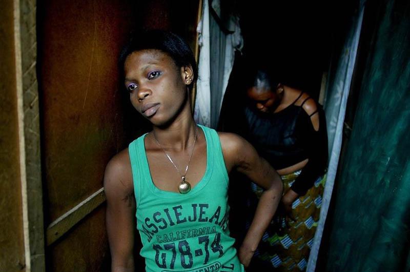 【危険地帯】ナイジェリア旧首都ラゴスのスラムにある売春宿、色々ヤバそうでチンコ勃たないだろ・・・・・(画像)・18枚目