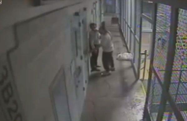 【即鎮圧】ニューメキシコの刑務所で暴動が起きる瞬間の映像、海外ドラマみたい・・・・(動画)・3枚目