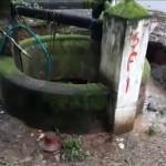 【地盤沈下】井戸が一瞬で完全に消失する衝撃動画、撮ってる奴危な過ぎだろ・・・・・(動画)