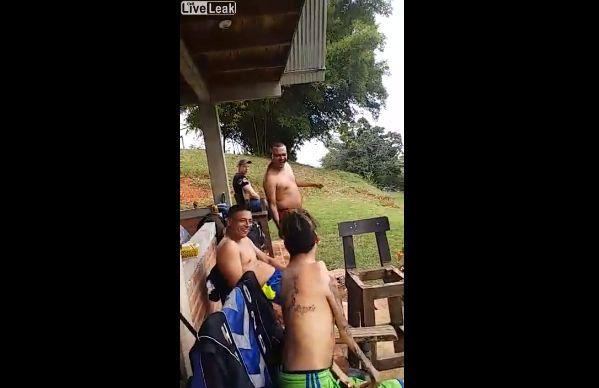 【ショッキング】ブラジルの障碍者ニキ、折れそうな手足で踊りまくる!!(動画)・1枚目