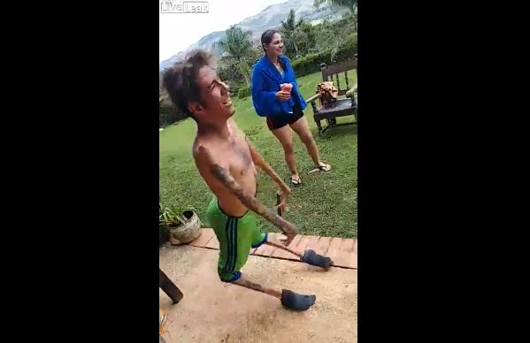 【ショッキング】ブラジルの障碍者ニキ、折れそうな手足で踊りまくる!!(動画)・2枚目