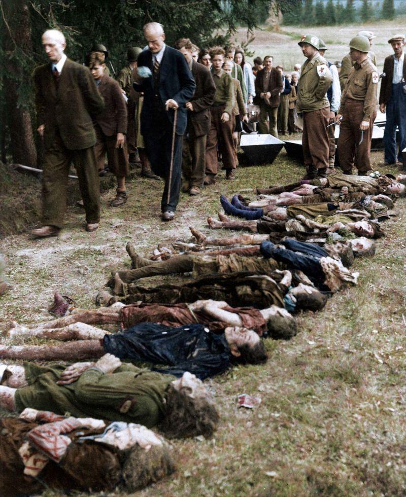 【リアル】カラー着色されたドイツ軍によるユダヤ人大量虐殺(ホロコースト)の写真、絶望感ヤバい・・・・・(画像)・2枚目