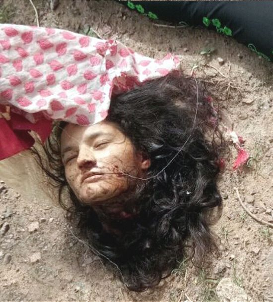 【閲覧注意】詳細不明、列車に轢かれて首チョンパの外人女性・・・・・合掌(画像)・3枚目
