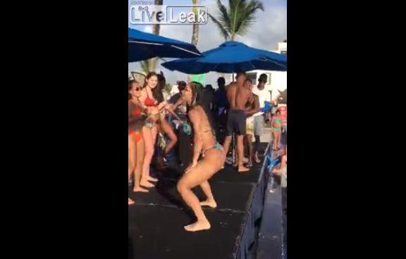 【昇天】美女の腰振りダンスに興奮し過ぎた観客男性、ぶっ倒れるwwwww(動画)・4枚目