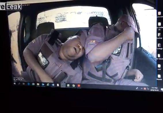 【世紀末都市】停車中窓の外からいきなり射殺される武装警備員、南アフリカ怖過ぎ・・・・・(動画)・2枚目