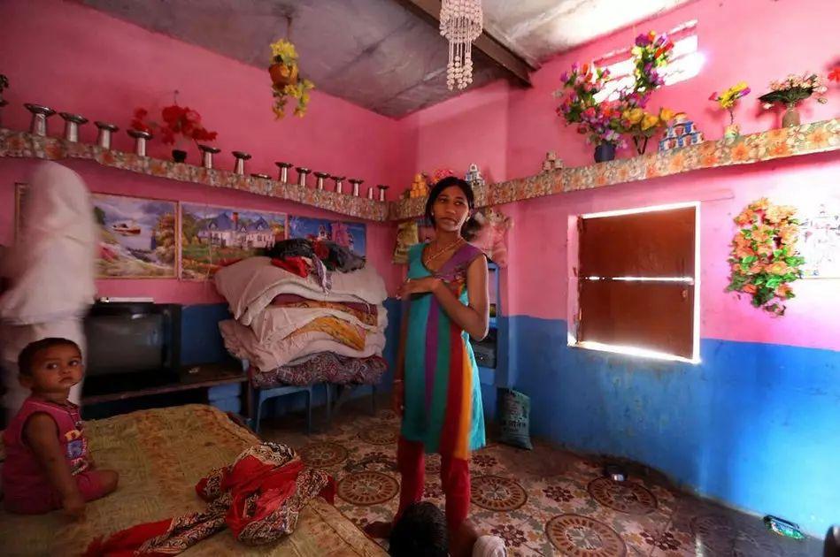 【少女売春】12歳から家族の為に売春婦として働くインドの少女、カースト制度ヤベーーーー!!(画像)・6枚目