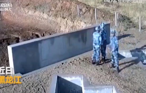 【ナイス上官】中国軍での手榴弾訓練、上司咄嗟の判断が部下の命を救った瞬間!!(動画)・1枚目