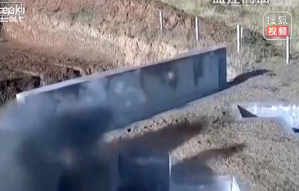 【ナイス上官】中国軍での手榴弾訓練、上司咄嗟の判断が部下の命を救った瞬間!!(動画)・4枚目