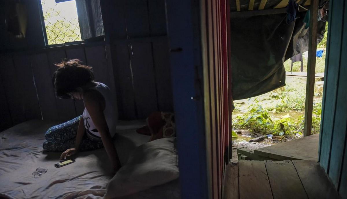 【一発1000円】経済危機の自国を離れ隣国コロンビアで稼ぐベネズエラ人売春婦の少女・・・・・(画像)・7枚目