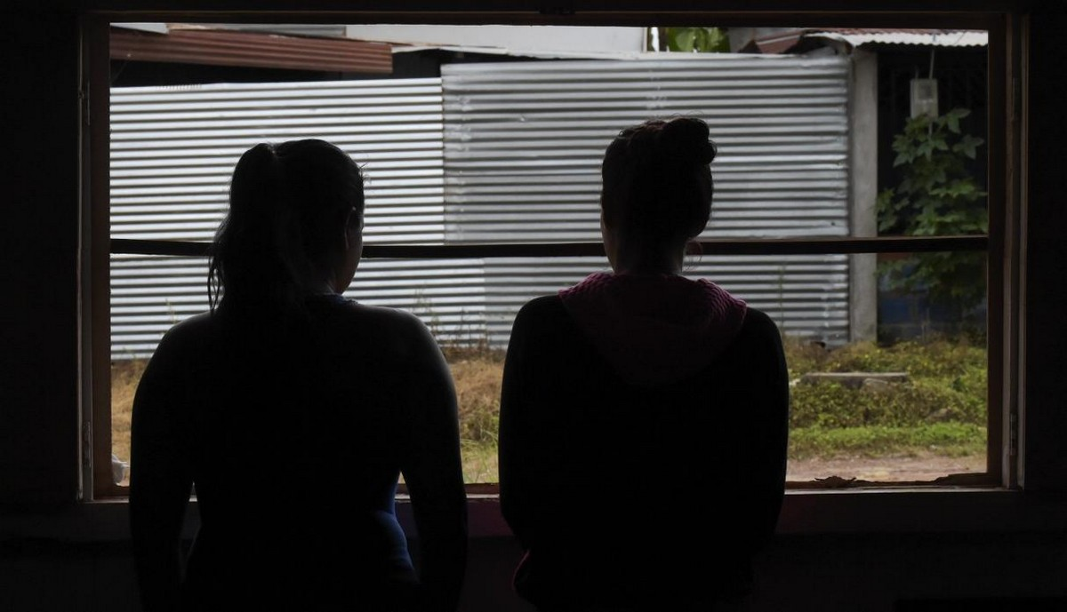 【一発1000円】経済危機の自国を離れ隣国コロンビアで稼ぐベネズエラ人売春婦の少女・・・・・(画像)・11枚目