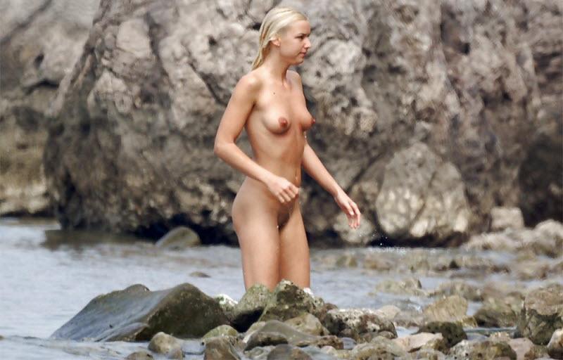 【驚愕】2018ヌーディストビーチinロシア、圧巻の美女美乳率でワロタwwwwww(画像)・3枚目