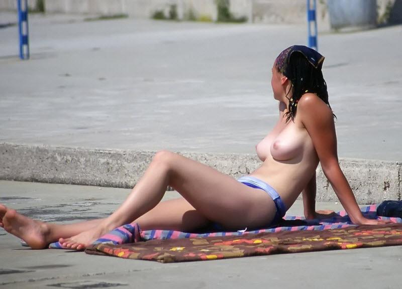 【驚愕】2018ヌーディストビーチinロシア、圧巻の美女美乳率でワロタwwwwww(画像)・5枚目