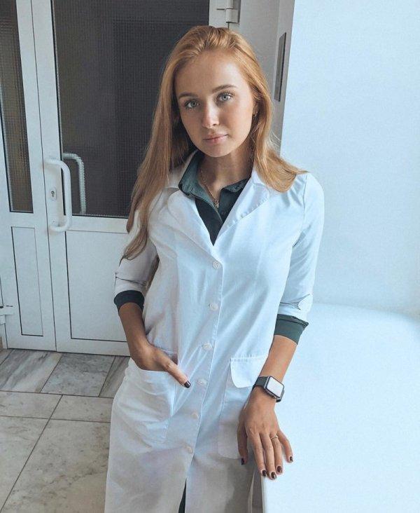 【ロシアン女医】ロシアの美しすぎる医療従事者、これは入院不可避だな・・・・・(画像)・1枚目