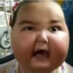 【インパクト大】カメラに向かってめっちゃキレてる子供、なんかデケーwwwwww(動画)