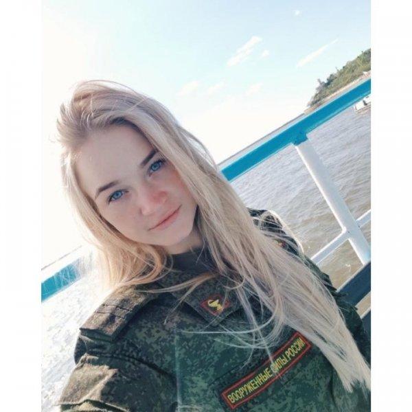 【驚愕】世界最高峰の美人度を誇るロシア軍の女兵士、自衛隊クッソ雑魚すぎて比較にすらならない・・・・(画像)・7枚目