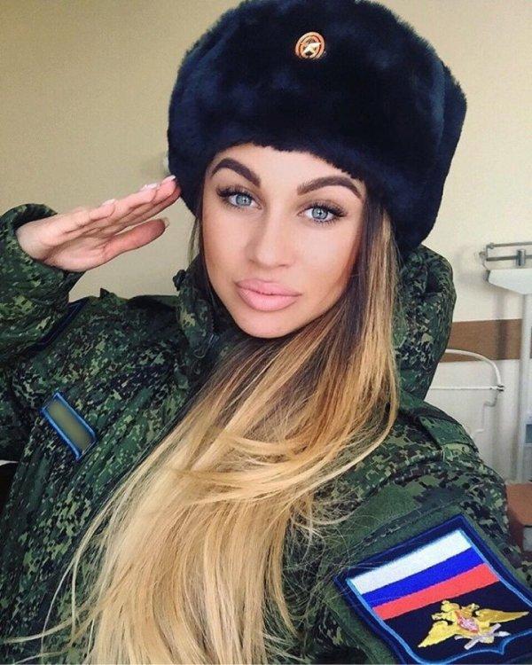 【驚愕】世界最高峰の美人度を誇るロシア軍の女兵士、自衛隊クッソ雑魚すぎて比較にすらならない・・・・(画像)・12枚目