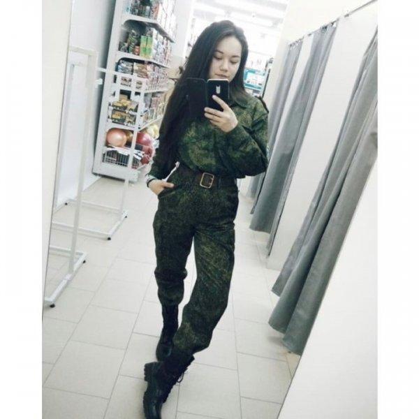 【驚愕】世界最高峰の美人度を誇るロシア軍の女兵士、自衛隊クッソ雑魚すぎて比較にすらならない・・・・(画像)・16枚目