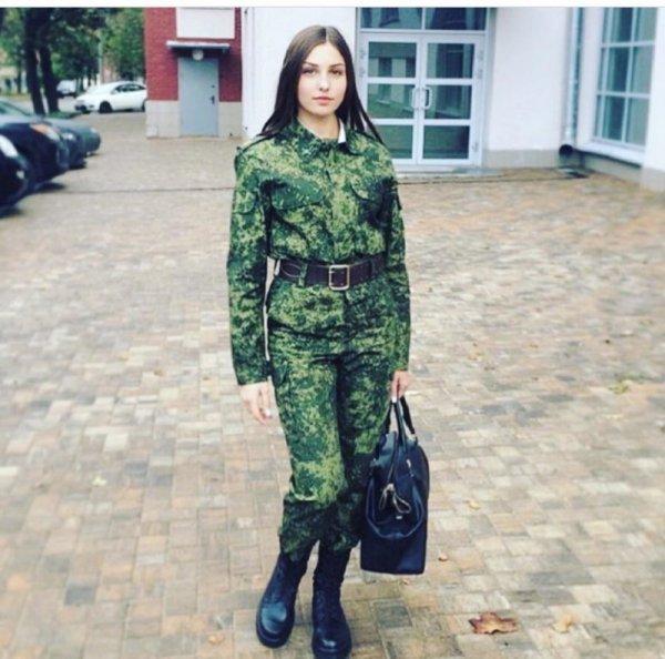 【驚愕】世界最高峰の美人度を誇るロシア軍の女兵士、自衛隊クッソ雑魚すぎて比較にすらならない・・・・(画像)・17枚目