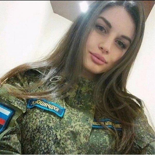 【驚愕】世界最高峰の美人度を誇るロシア軍の女兵士、自衛隊クッソ雑魚すぎて比較にすらならない・・・・(画像)・18枚目
