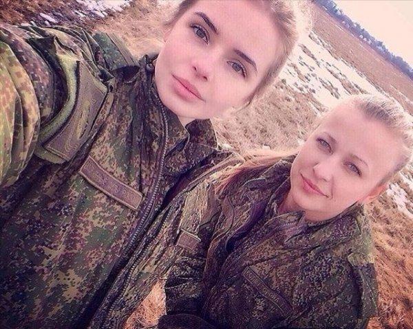 【驚愕】世界最高峰の美人度を誇るロシア軍の女兵士、自衛隊クッソ雑魚すぎて比較にすらならない・・・・(画像)・19枚目