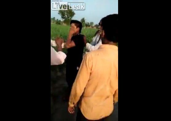 【因果応報】6歳の少女をレイプしたインド人男性、現行犯で捕まってボコボコにされる・・・・・(動画)・2枚目