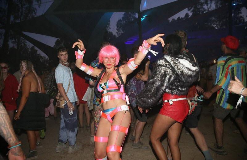 【エロフェス】オーストラリアのお祭りStrawberry Fields Festivalの様子、エロい衣装でクッソ楽しそうwwwww(画像)・23枚目