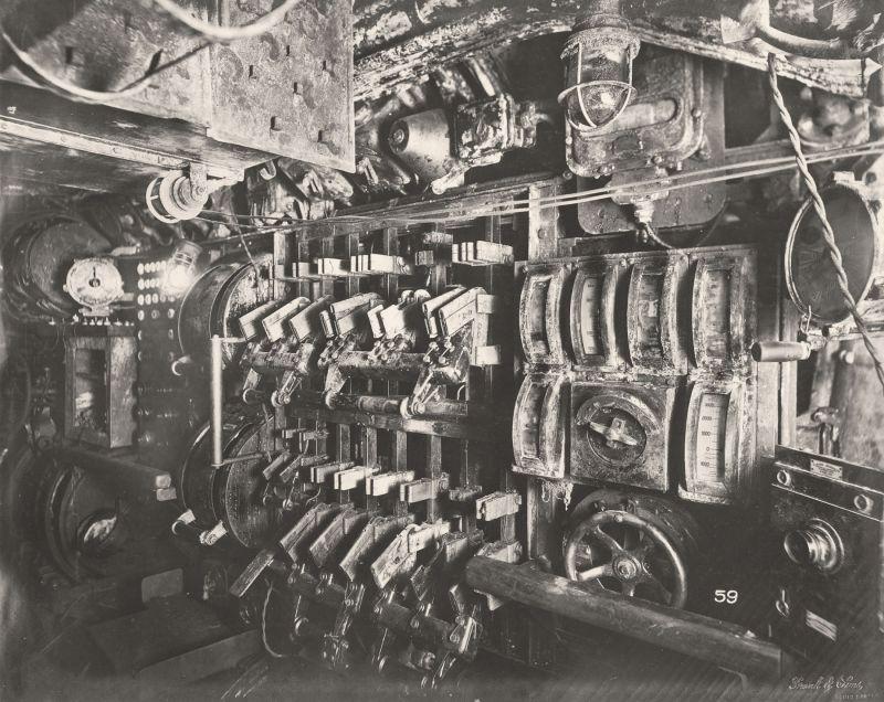 【ドイツの科学力】第一次世界大戦時のドイツのUボート110型、バルブの数スゲーーーーー(画像)・1枚目
