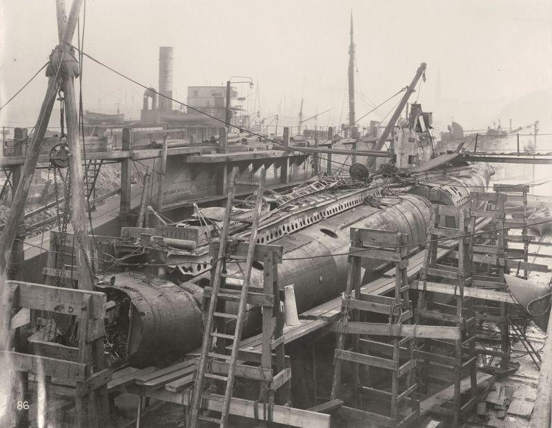 【ドイツの科学力】第一次世界大戦時のドイツのUボート110型、バルブの数スゲーーーーー(画像)・2枚目