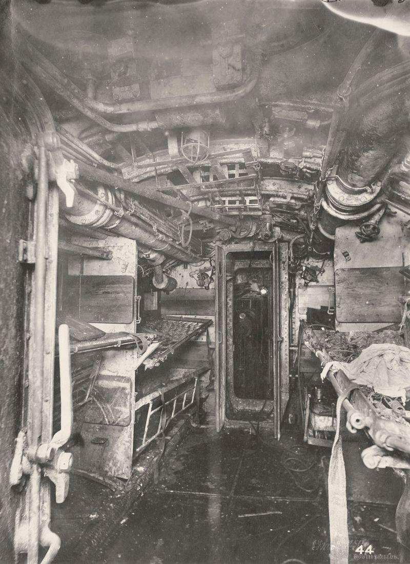 【ドイツの科学力】第一次世界大戦時のドイツのUボート110型、バルブの数スゲーーーーー(画像)・6枚目