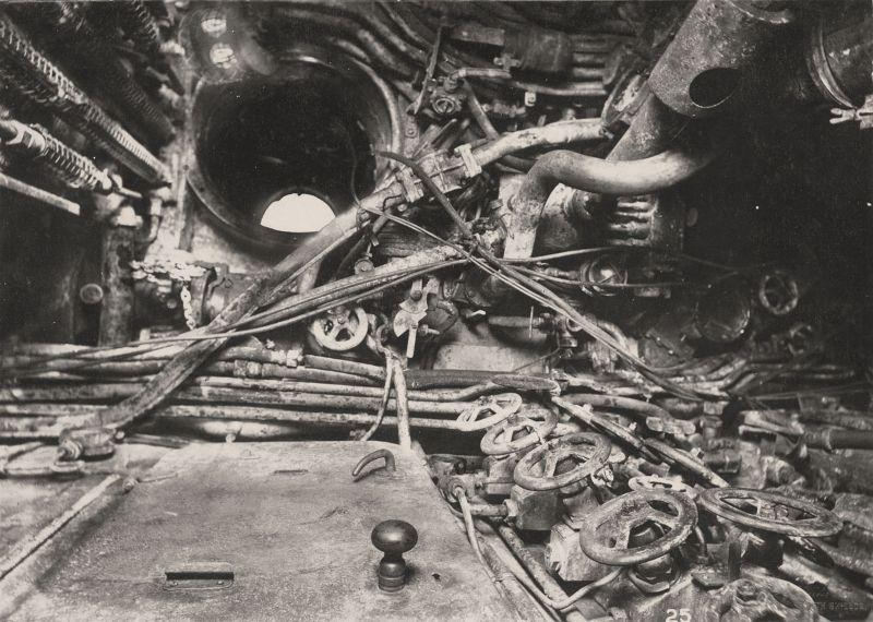 【ドイツの科学力】第一次世界大戦時のドイツのUボート110型、バルブの数スゲーーーーー(画像)・12枚目