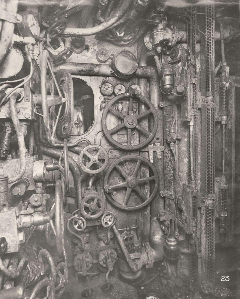 【ドイツの科学力】第一次世界大戦時のドイツのUボート110型、バルブの数スゲーーーーー(画像)・13枚目