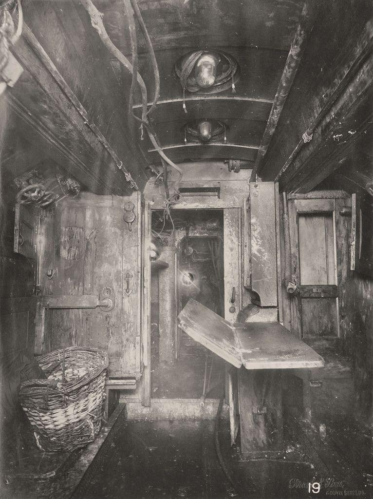 【ドイツの科学力】第一次世界大戦時のドイツのUボート110型、バルブの数スゲーーーーー(画像)・14枚目