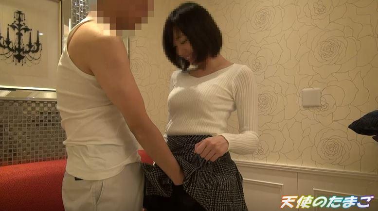 【画像】日本の素人系ハメ撮り映像がガチすぎると海外で話題。・6枚目