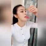 【なんかエロい】舌伸ばし特訓に余念のない中国人美女ネキ、ホントあの国はこういう人多いなwwwwwwww(動画)