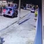 【スマート正面突破】自宅を訪れた警官2人からの逃走ミッション、犯人男の心臓強すぎだろ!!(動画)