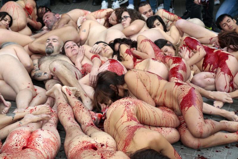 【キチ●イ】動物保護団体さん、相変わらず意味の分からない抗議で世間を騒がせる・・・・・(画像)・2枚目