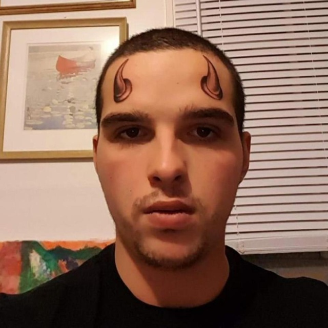 【お馬鹿】外人さんの変なタトゥー、マジでこいつ等コレで後悔しないのか・・・・・(動画)・4枚目