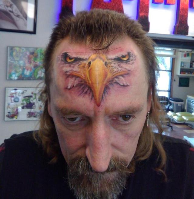 【お馬鹿】外人さんの変なタトゥー、マジでこいつ等コレで後悔しないのか・・・・・(動画)・5枚目