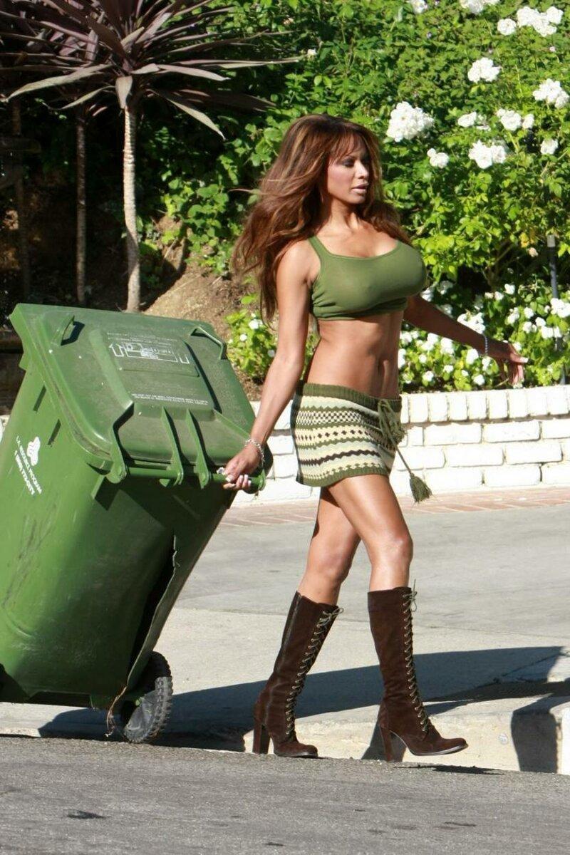 【パパラッチ】ハリウッドセレブの朝のゴミ出しの様子、案外庶民的なのね・・・・・(画像)・7枚目