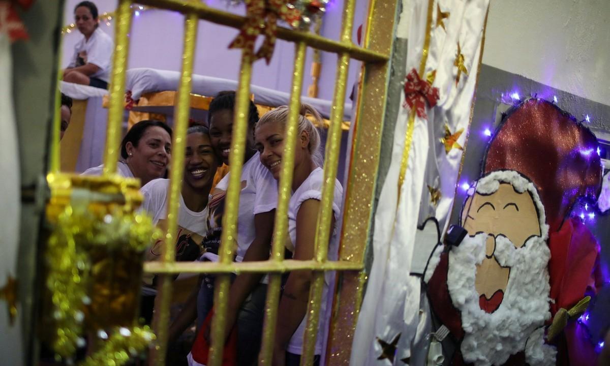 【女囚パーティー】ブラジル女子刑務所の年越しパーティーの様子、結構楽しそう!!(画像)・3枚目